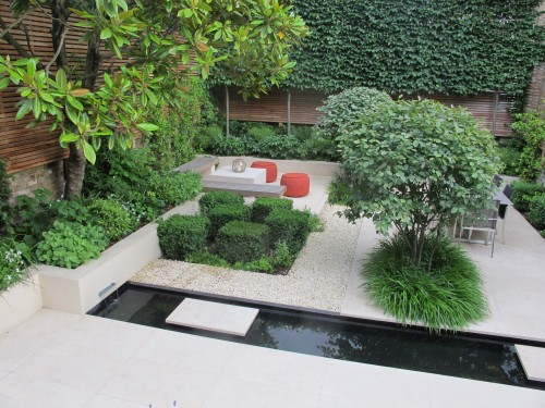 An assymetrical design works well in an urban garden