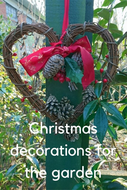 Christmas Garden Decorations How To Be Festive And Wildlife Friendly The Middle Sized Garden Gardening Blog