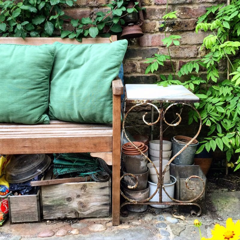 Romantic garden furniture ideas