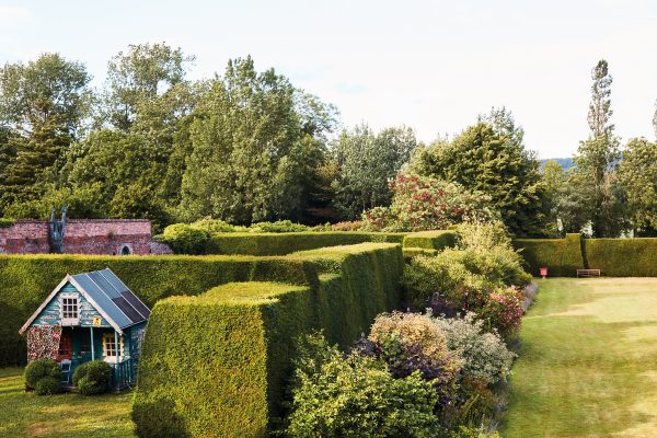 Kirstie Allsopp's garden