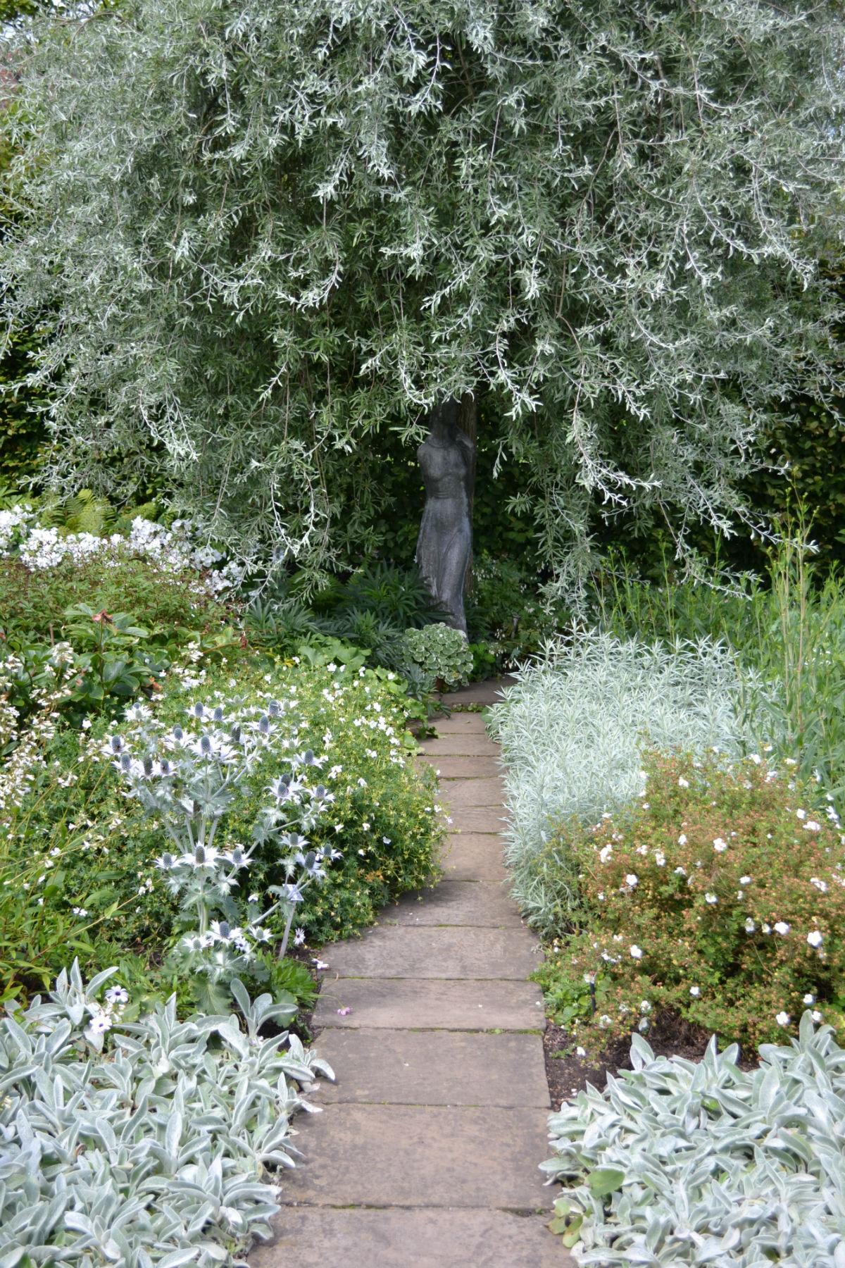 statue in White Garden, Sissinghurst