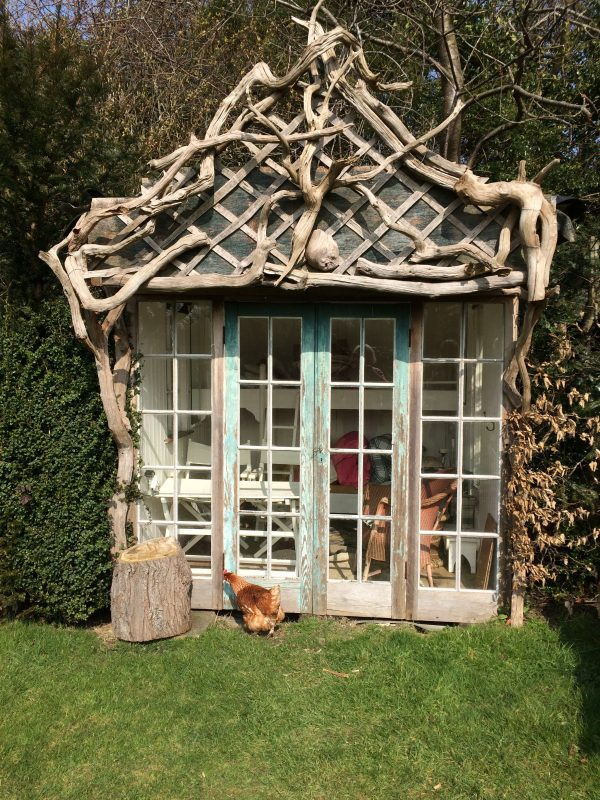 Romantic shed