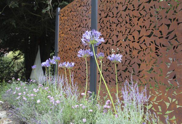 Laser-cut corten steel garden privacy screen