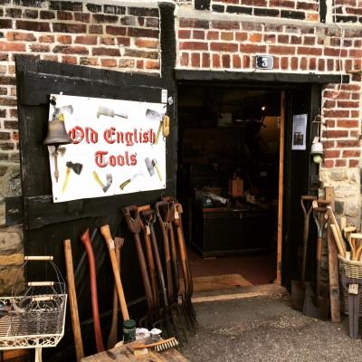 Vintage tool shop