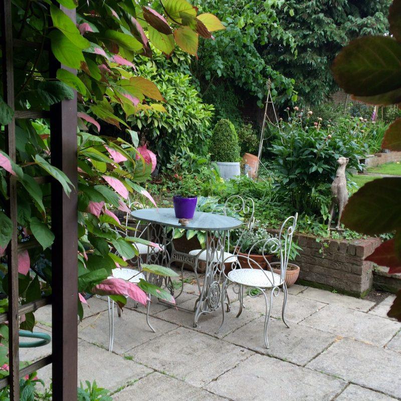 garden chairs painted hardwick white