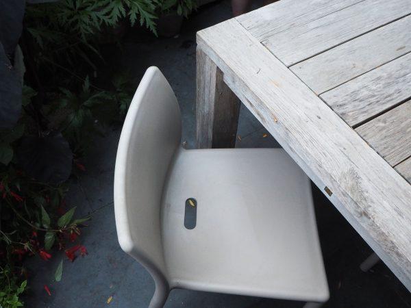 Space-saving minimalist chairs
