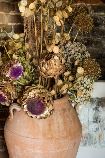How to dry artichokes and hydrangeas
