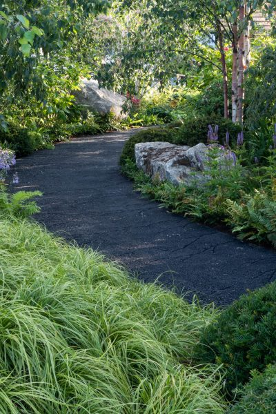 Curved garden path ideas