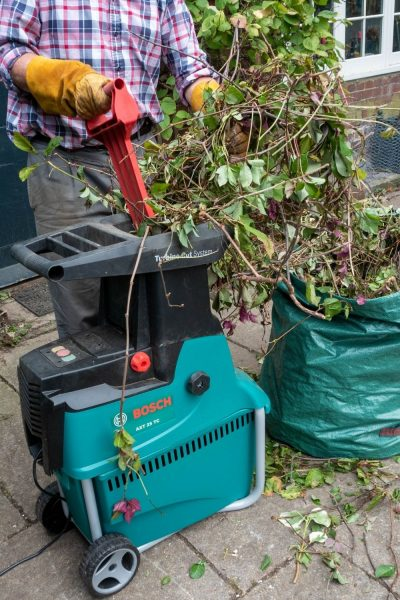 Choosing and using a garden shredder