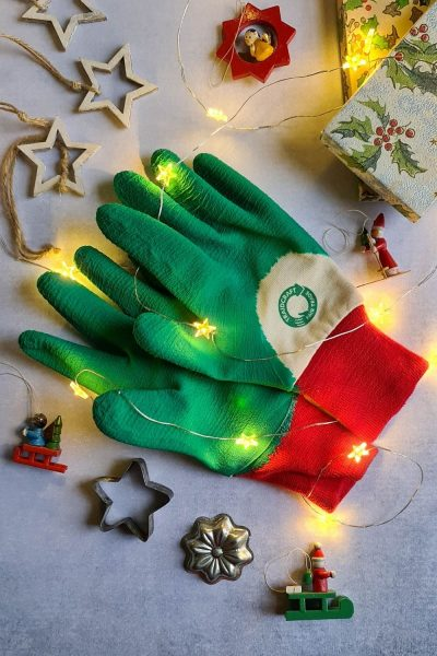 Gardening gloves as gifts