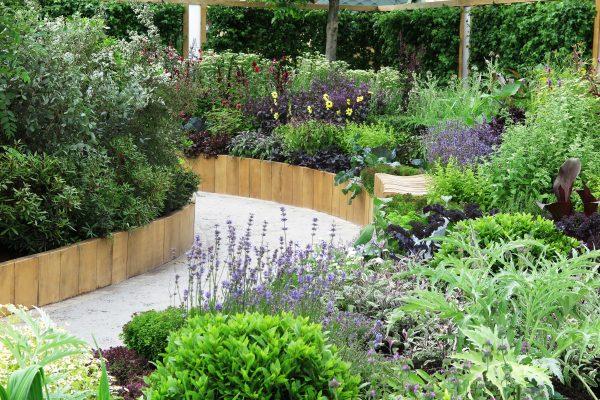 White gravel garden path