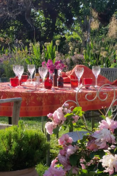 Red and orange are good colours for a garden party
