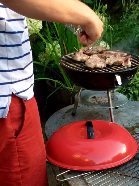 Small kettle barbecue