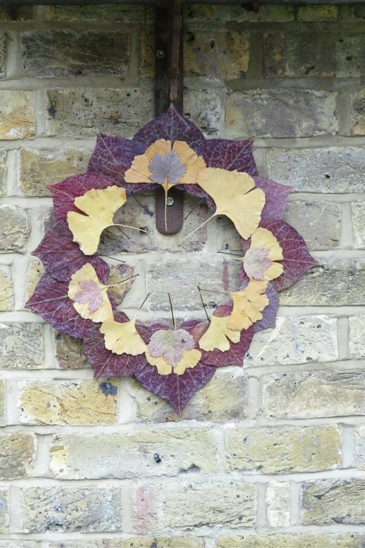 Dried leaf wreath