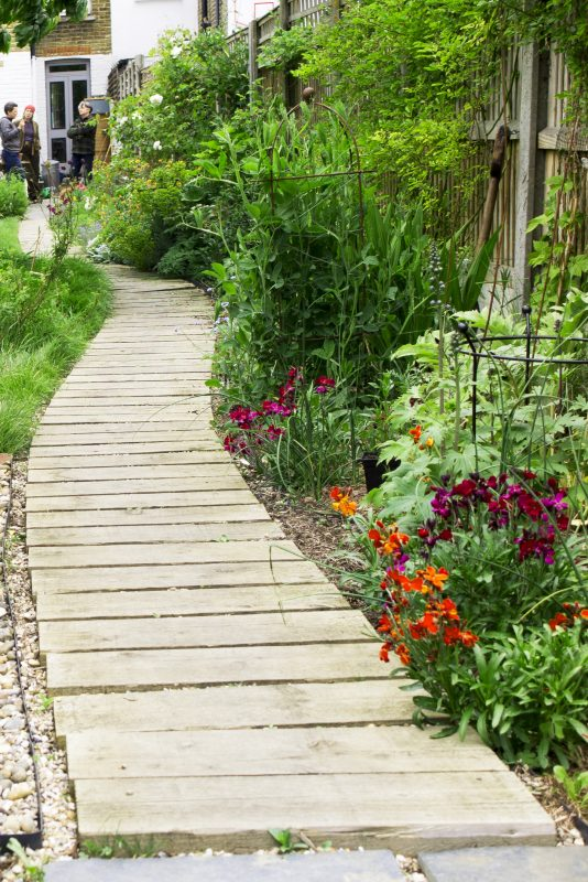 Garden Ideas Small Landscape Gardens Pictures Gallery: How Important Is Your Garden Path?
