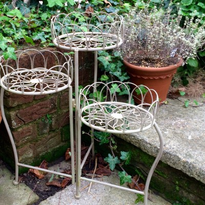Start planning Christmas presents like this pot stand from Miafleur home and garden accessories