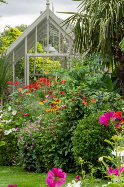 Greenhouse and border