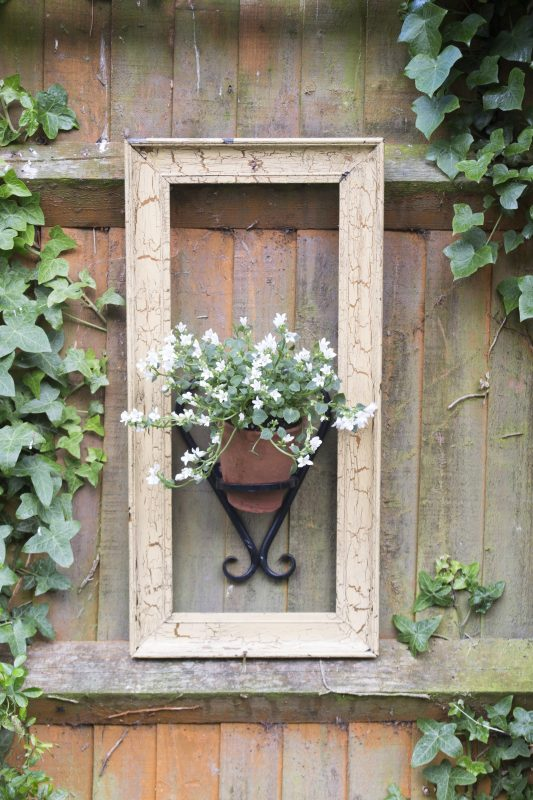 11 Charming Small Garden Ideas On A Budget The Middle Sized Garden Gardening Blog
