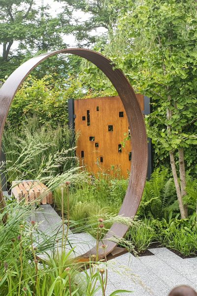 Combine planting with reclaimed materials for a contemporary feel