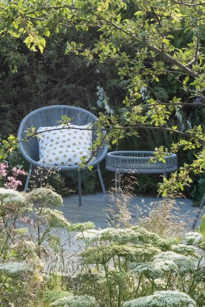 Curved garden furniture and wildlife friendly planting