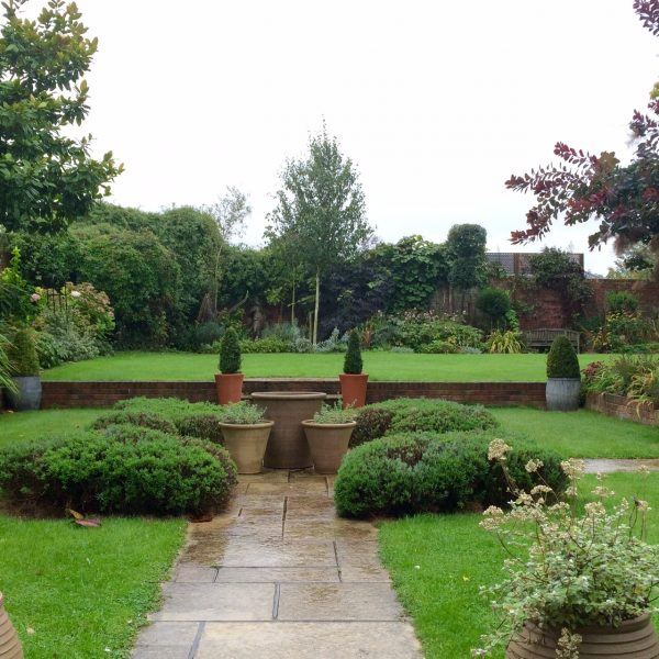The parterre with pots