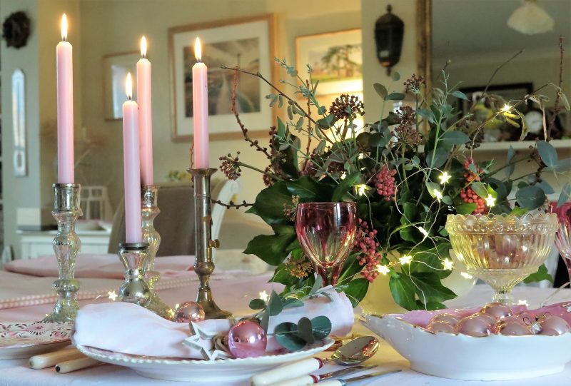 Pale pink table decorations