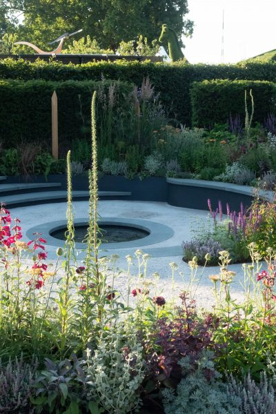 Circular garden design in the Cancer Research Garden