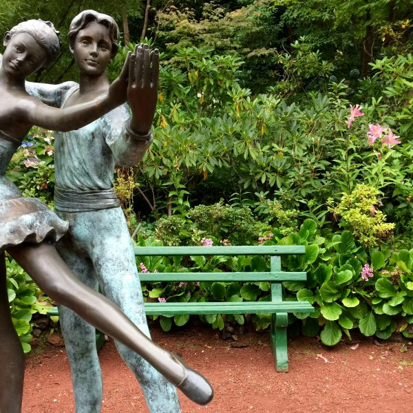 Dancers garden sculpture