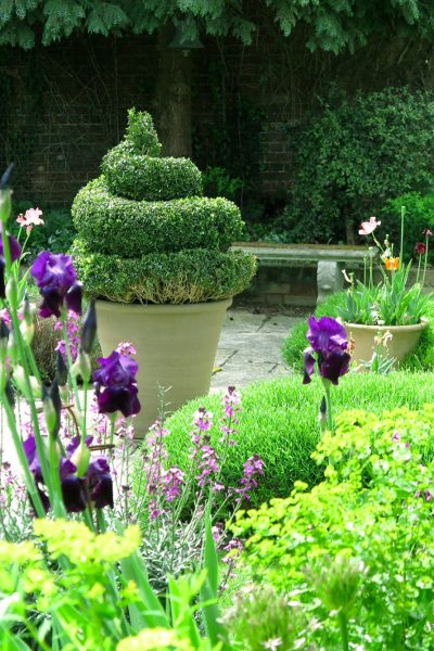 Ideas for large garden planters