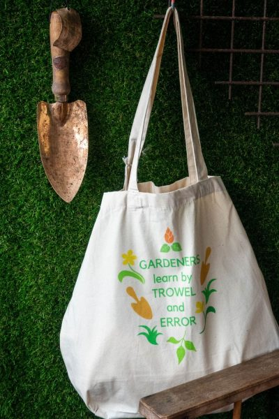 Middlesized Garden tote bag